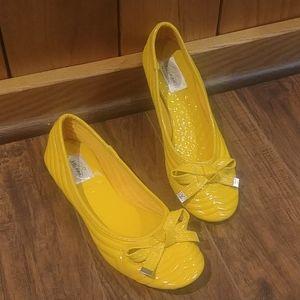 NWOT Bolaro Yellow Ballerina Flat Slip On Shoe 7